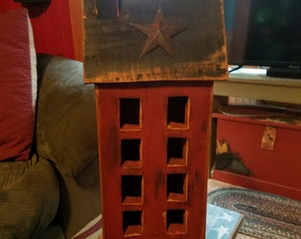Salt box house with star
