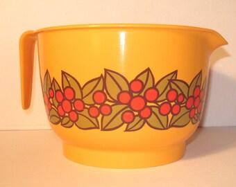 Vintage 70s mixing bowl