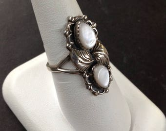 Native American Sterling Silver Mother of Pearl Size 9.75 Signed RB