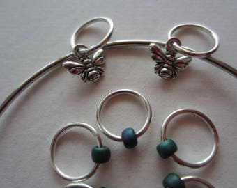 Stitch Marker Bracelet Bangle w Silver Bumblebee Charm and Seed Bead / Knitting / Snagless Round Metal