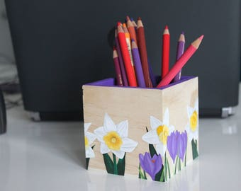 "Pencils ""daffodils & Crocuses"" pot - My Little Painted Boxes"