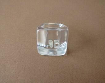 Ring 70s Courrèges plexi transparent monogram.