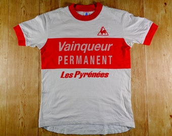 20% OFF Vintage Rare LECOQ Sportif Vainqueur Permanent Les Pyrenees Tshirt Back Pocket