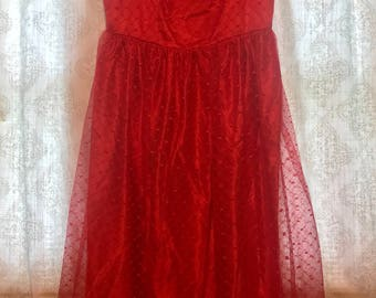 Stunning Red, Laced Vintage Dress