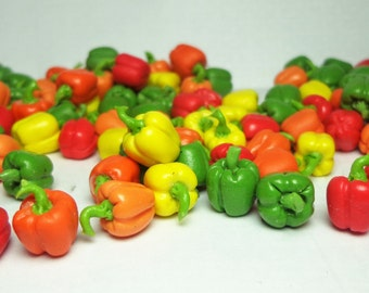 Dolls House Miniature Food- Pack Of 8 Mixed Bell Peppers