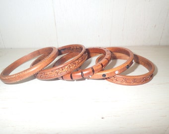 Beautiful set of handmade wooden bangle bracelet