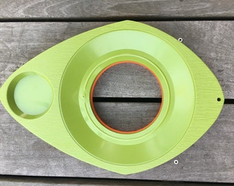 1960-1970s Atomic Shape Plastic Plate Holders Set of 6 (3 avocado green and 3 orange)
