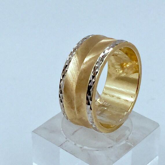 14k Art Carved Ring  6.3g. SALE