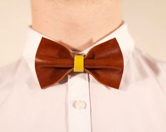 Bow tie man/woman in Brown and yellow leather