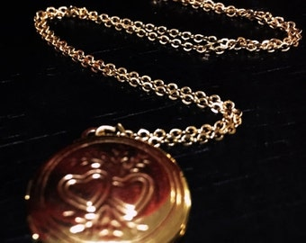 """ON SALE Vintage gold tone locket """"Two Hearts"""""""