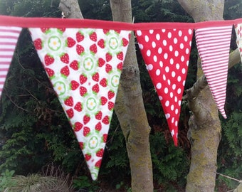 Pennant banner fabric, 3 m, red/white/strawberries