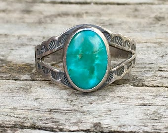 Vintage Turquoise and Sterling Silver | Size 5 | Bohemian | Native American