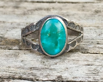 Vintage Turquoise and Sterling Silver | Size 4 | Bohemian | Native American