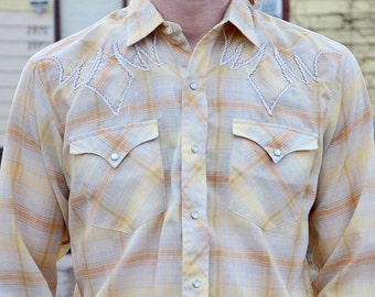 1970s Gingham Cowboy Western Shirt W/Faux Pearl Snaps//Long Sleeve Western Button Up