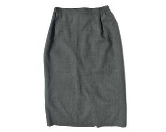 Vintage women skirt gray 100% pure new wool size 40