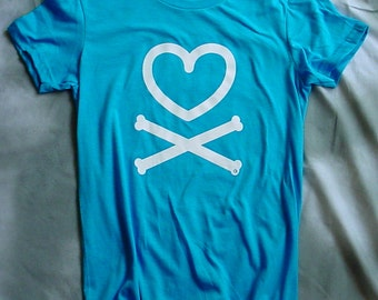 Heart and crossbones, teal, womens and teens t-shirts