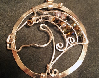 Wire work horse circle necklace