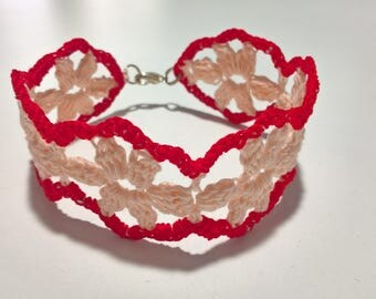 Crocheted bracelet with flowers