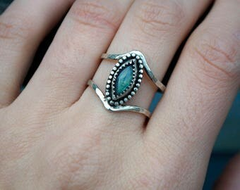 Labradorite Blue Green Cabochon Marquise Cut Stone Sterling Silver Double Band Hammered Ring