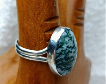 Moss agate cabochon ring set in sterling silver