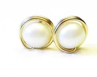 Earrings white freshwater Pearl 14 k gold filled wire
