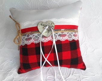 Rustic ring pillow wedding/black and red/pillow of alliances/rustic wedding