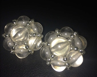 Adorable vintage Lucite earrings