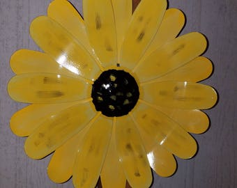 Metal Flower Door Hanger, Spring Door Hanger, Flower Door Hanger