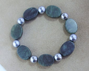 Green Serpentine Oval and Round Silver Balls Bracelet