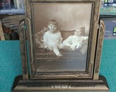 1930s wooden swinging picture frame in perfect condition. I love the small art deco touches!