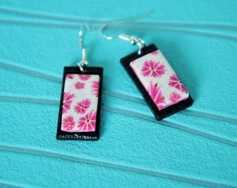 Earrings woman rectangular Japan style Asian color black pink and white