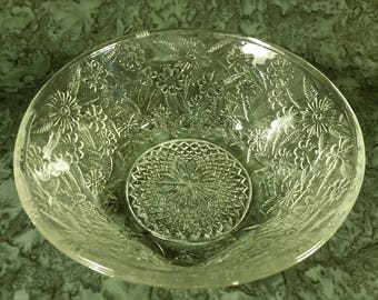 Indiana Glass Co. clear glass Pineapple and Floral pattern bowl