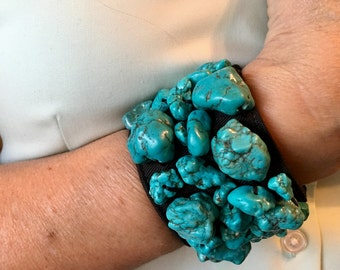 bracelet in leather with turquoise stone