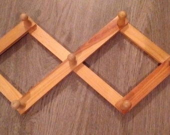 Vintage Accordian Peg Rack  - 14.5 inches when extended