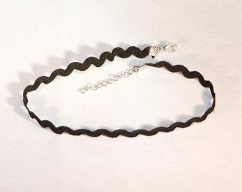 Choker Necklace Lace Black Zigzag