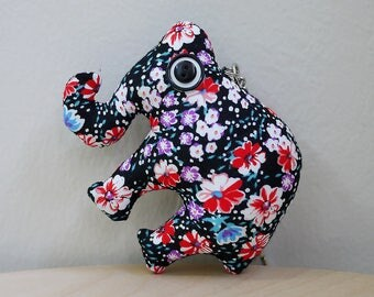 Handmade Fabric Plush Elephant Keychain (Black)