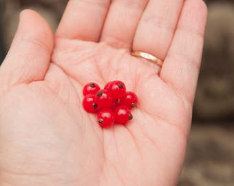 1 PCS/Red currant/Berries made of polymer clay