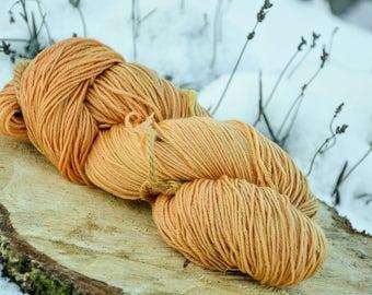 Plant dyed merino superwash sock wool, alder buckthorn bark, frangula alnus, 4-ply, 100 g