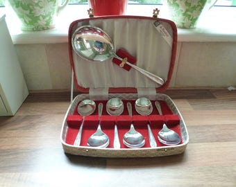 Vintage Silver Plated Cased Dessert/Sorbet Spoon Set 6 Spoons and 1 Serving Spoon.