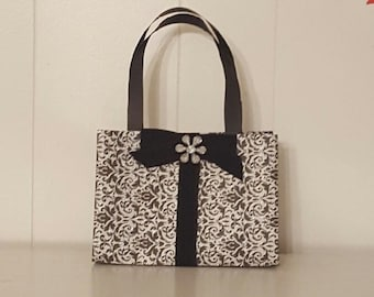 paper purse gift bags; favor bags