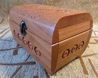 Wooden hand made jewelery box Very Nice gift for mother girl #d101