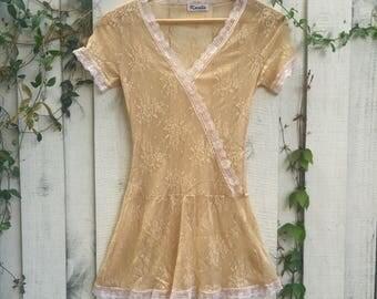 Lace Top 90s • Vintage Cream Lace  Blouse • Summer Festival 1990s aura : Spring into a vision of feminine mystique
