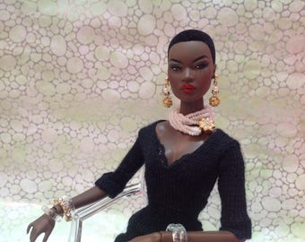 Fashion Royalty Barbie Silkstone doll white pearl necklace