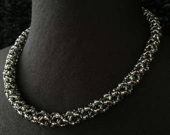 Glass - anthracite Crystal beads necklace