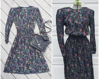 90's Vintage Long Sleeve Floral Midi Dress || 90's Cinched Waist Midi Dress XS