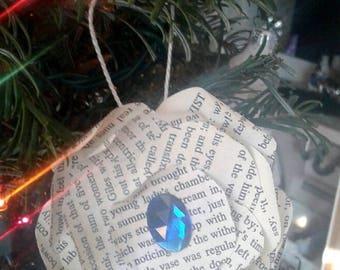 Set of 4 literary ornaments