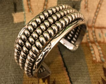Beautiful Heavyweight Vintage Navajo Sterling Silver Wide Coil Cuff Bracelet