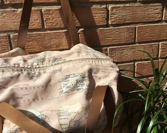 WORLD MAP TRAVEL BAG