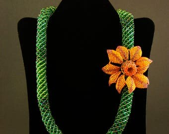 Emerald toned Necklace