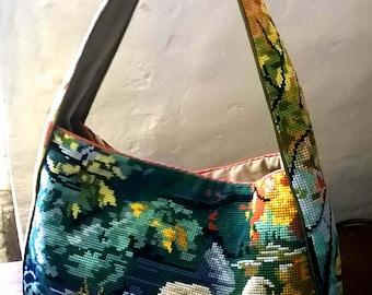 Embroidered canvas bag. Unique piece.